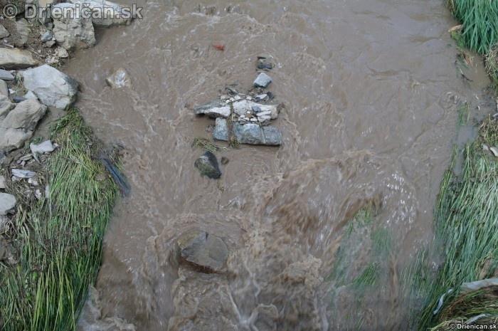 Drienica 3 stupen povodnovej aktivity 8 jun 2012_18