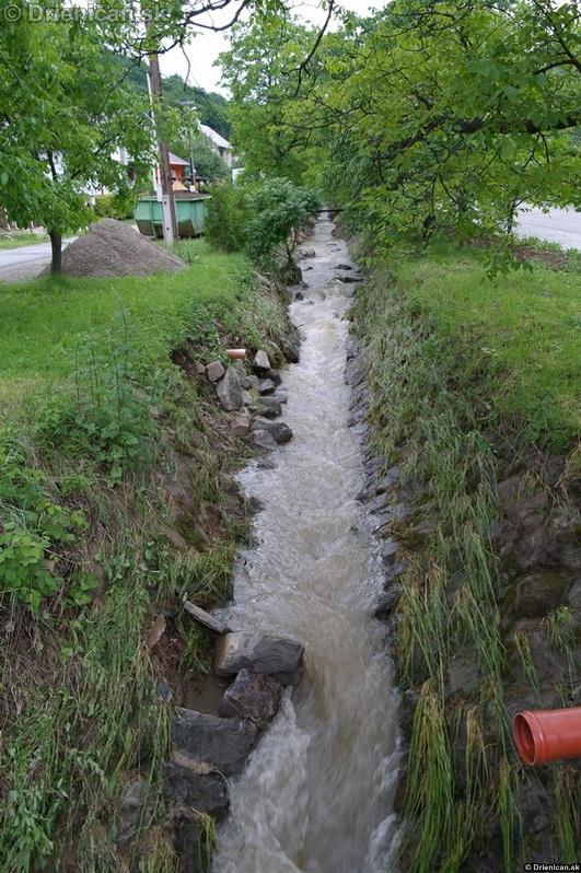 Drienica 3 stupen povodnovej aktivity 8 jun 2012_20