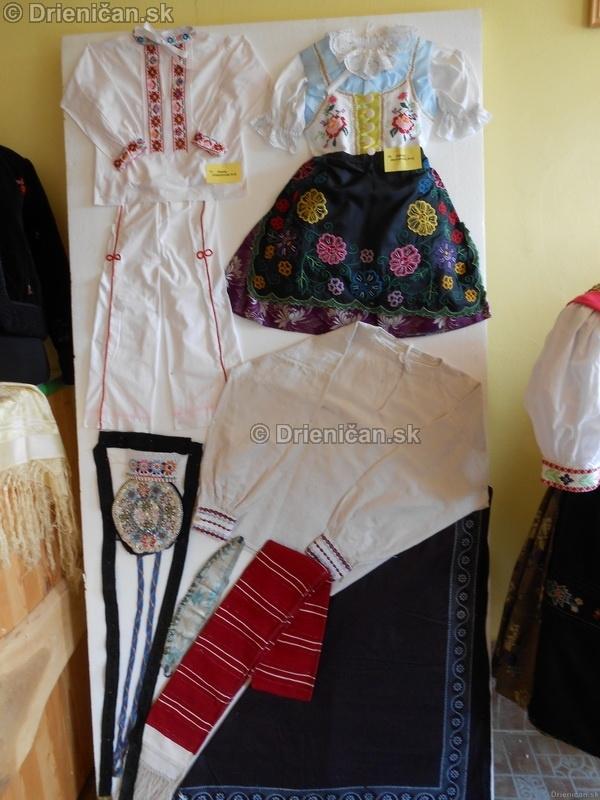 Vystava ludovych krojov a vysiviek 2012 Drienican_035