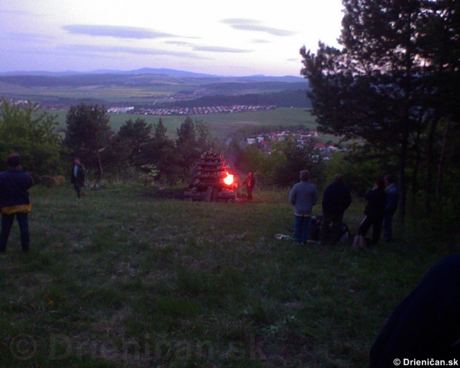 Palenie vatry oslobodenia_03