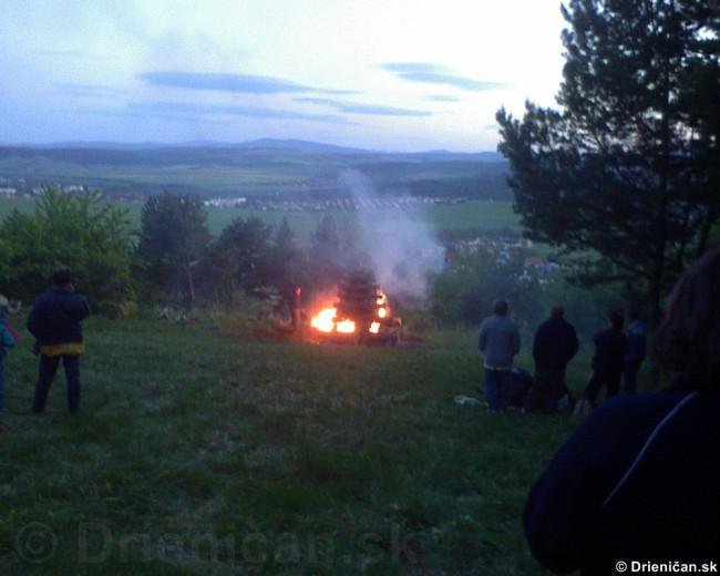 Palenie vatry oslobodenia_05