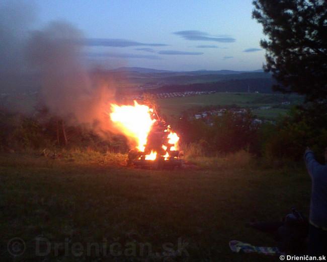 Palenie vatry oslobodenia_09