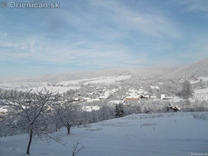 Drienica horná časť obce v zime