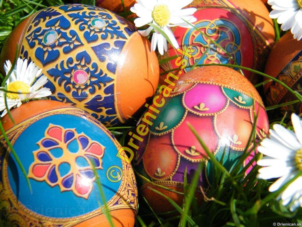 Veľkonočné vajíčka,záleží na vzore, typu vajíčok a svetelných podmienkach, pre čo najkrajšie zábery.