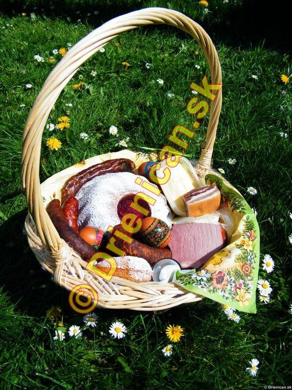 Tip na veľkonočný košík: Všetko podľa tradícií slovenskej kultúry.