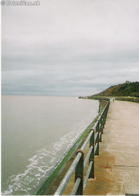 Sea front,ale ináč miesto na prechádzky či trocha si zabehať.
