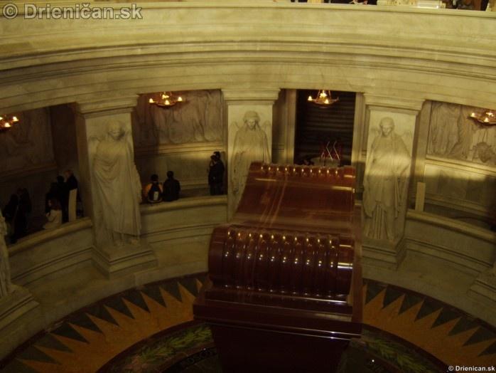 Napoleon Bonaparte Tomb_14
