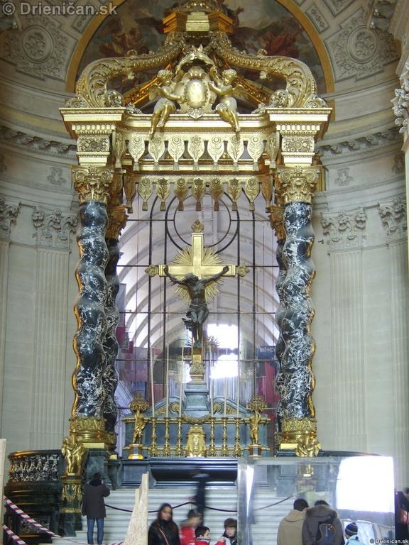 Napoleon Bonaparte Tomb_16