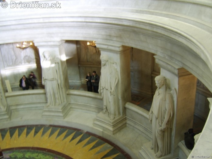 Napoleon Bonaparte Tomb_18