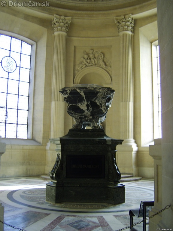 Napoleon Bonaparte Tomb_21