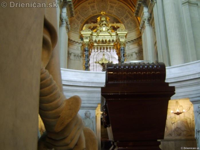 Napoleon Bonaparte Tomb_35