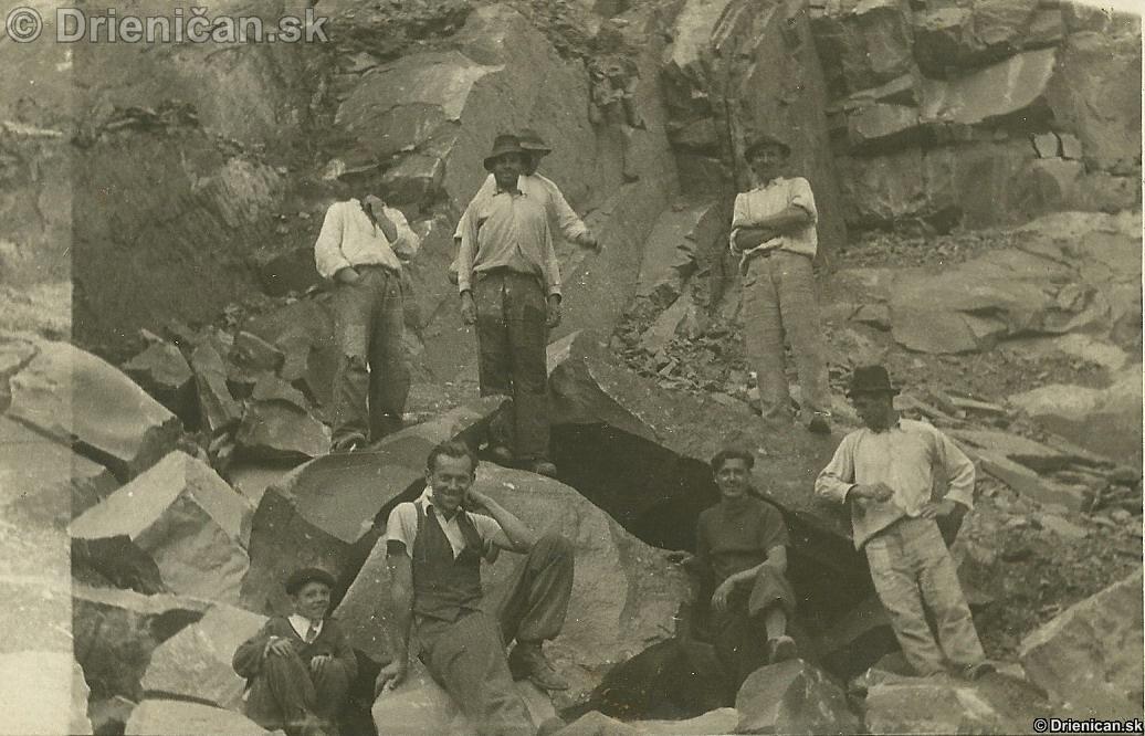 2. polovica 40. rokov 20. storočia Robotníci v kameňolome