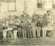 Pri základnej škole v Drienici