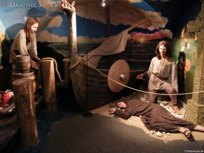 Múzeum ukazuje postupne dejiny, hlavne Írskeho národa.