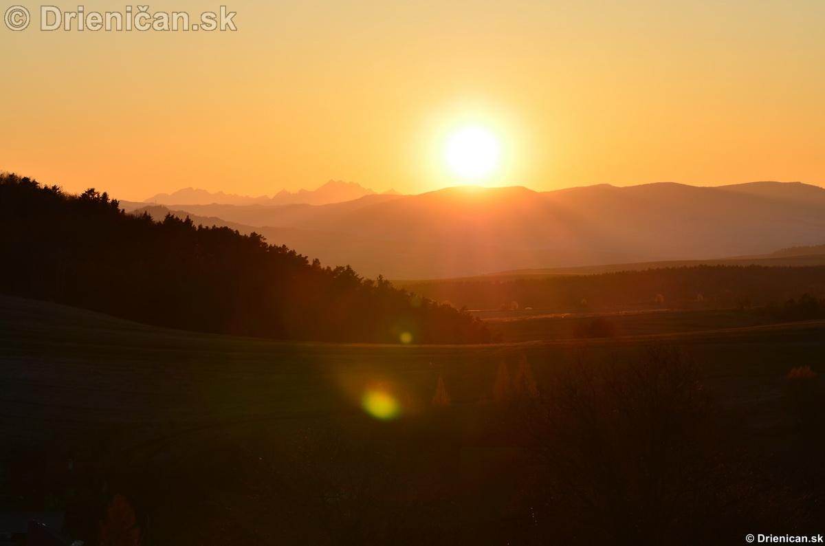Západ slnka nad Tatrami,apríl 2012