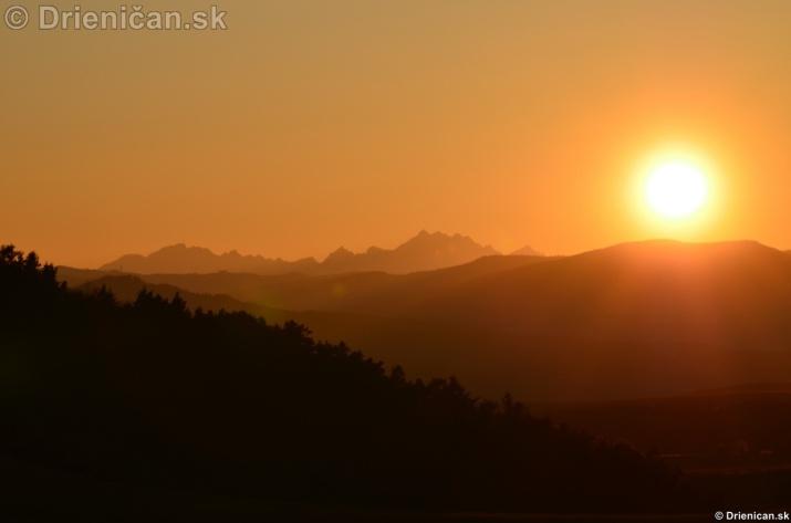 Zapad slnka nad Tatrami_07