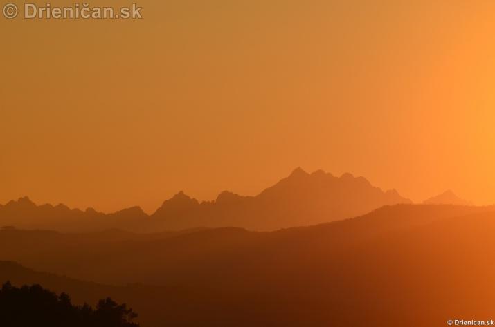 Zapad slnka nad Tatrami_08