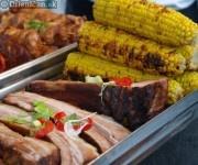 Pečené rebierko a kukurica