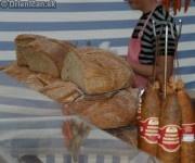 Zajesť samozrejme domácim chlebíkom