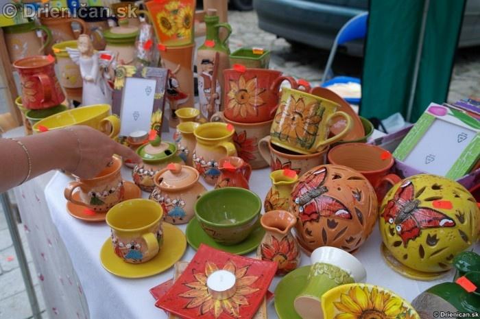 Keramika s ľudovým motívom sa na Slovenskú stále teší veľkej obľube