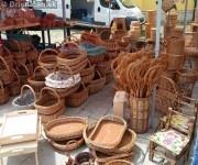Košíky na hríby, trepáče, tácky... všetko vyrobené z prírodných materiálov