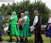 Príprava na vystúpenie folklóristov