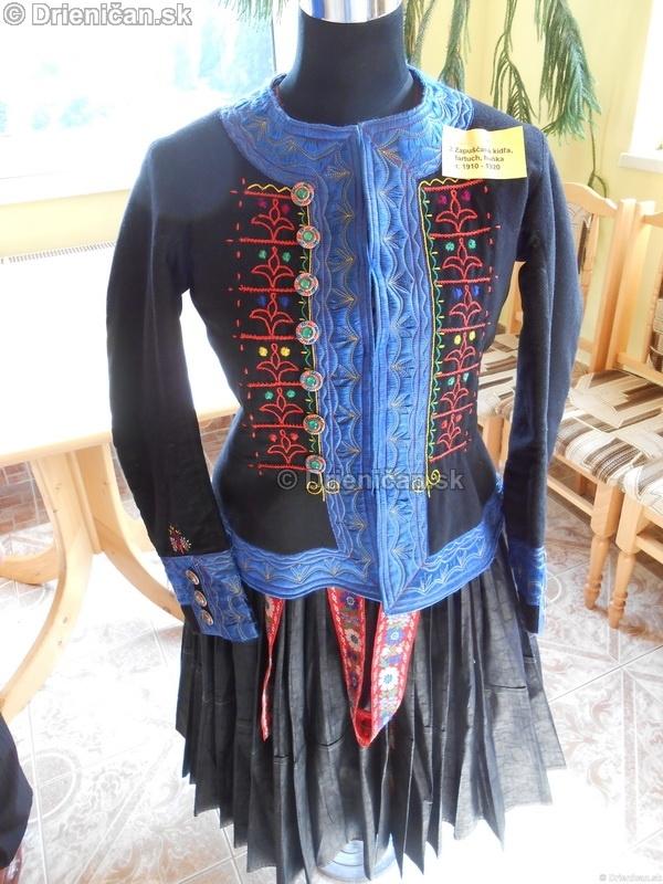 Vystava ludovych krojov a vysiviek 2012 Drienican_049
