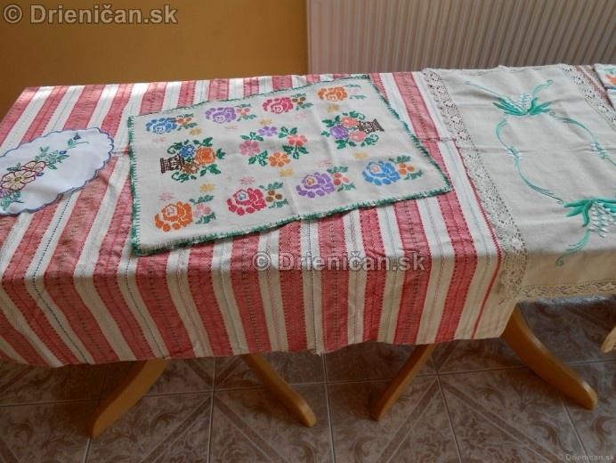 Vystava ludovych krojov a vysiviek 2012 Drienican_127