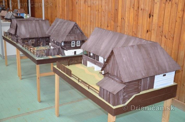 ABC stavebnictva Presov,miniatury kostolov,hradov a ludovej architektury_03