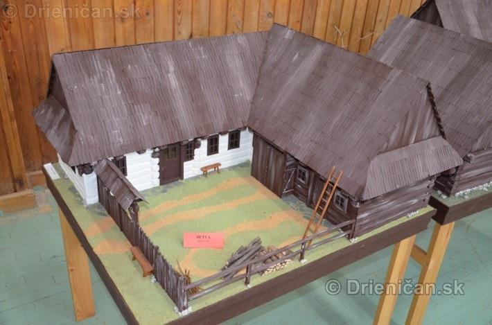 ABC stavebnictva Presov,miniatury kostolov,hradov a ludovej architektury_07
