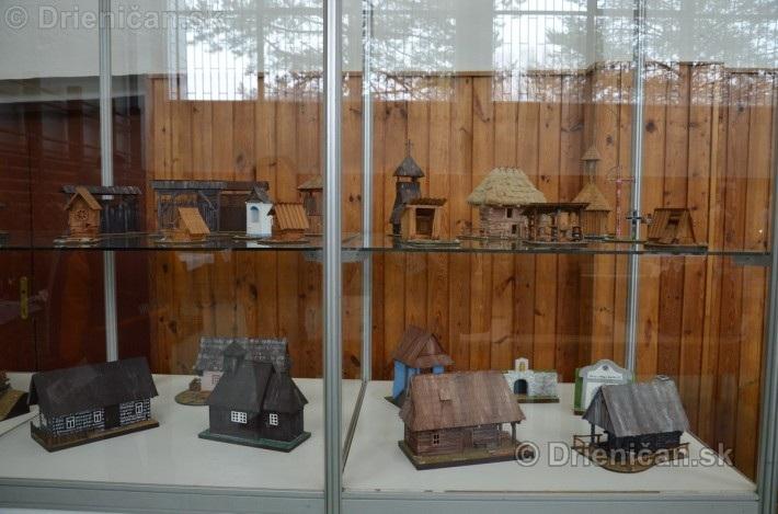ABC stavebnictva Presov,miniatury kostolov,hradov a ludovej architektury_11