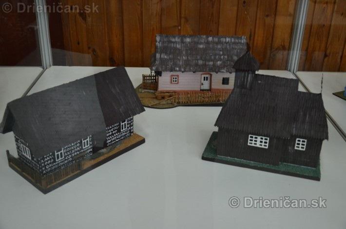 ABC stavebnictva Presov,miniatury kostolov,hradov a ludovej architektury_13