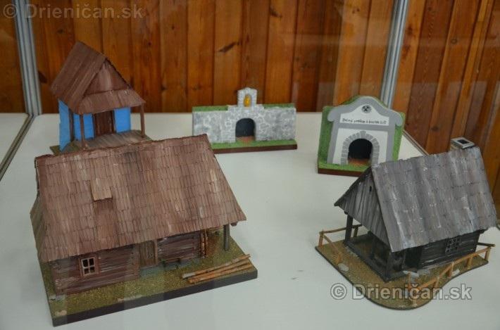 ABC stavebnictva Presov,miniatury kostolov,hradov a ludovej architektury_14