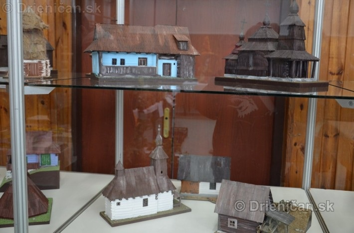 ABC stavebnictva Presov,miniatury kostolov,hradov a ludovej architektury_16