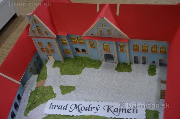 ABC stavebnictva Presov,miniatury kostolov,hradov a ludovej architektury_19