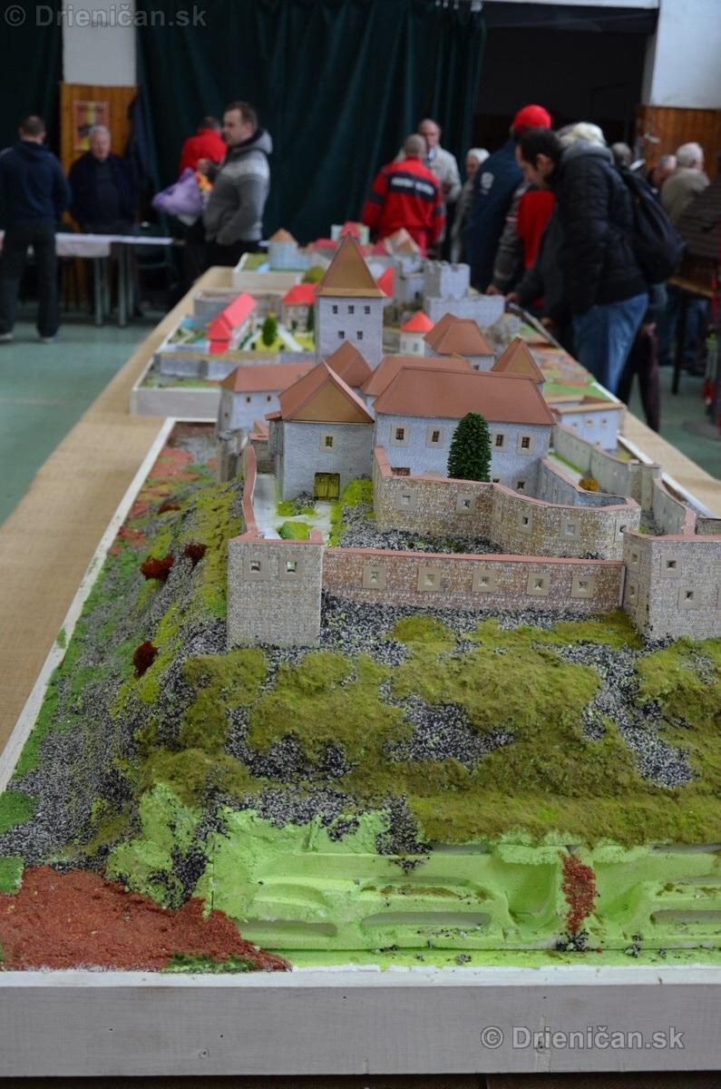ABC stavebnictva Presov,miniatury kostolov,hradov a ludovej architektury_20