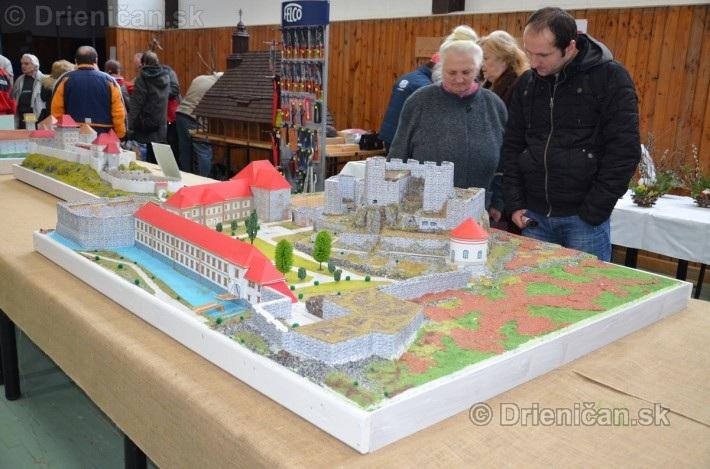 ABC stavebnictva Presov,miniatury kostolov,hradov a ludovej architektury_21
