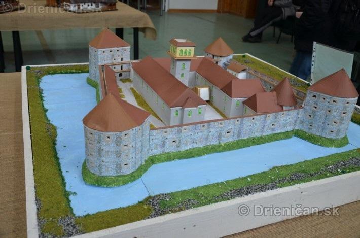 ABC stavebnictva Presov,miniatury kostolov,hradov a ludovej architektury_27
