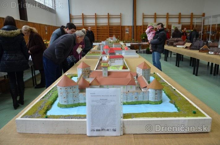 ABC stavebnictva Presov,miniatury kostolov,hradov a ludovej architektury_28