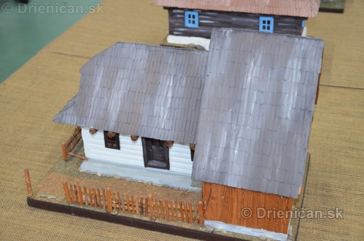 ABC stavebnictva Presov,miniatury kostolov,hradov a ludovej architektury_29