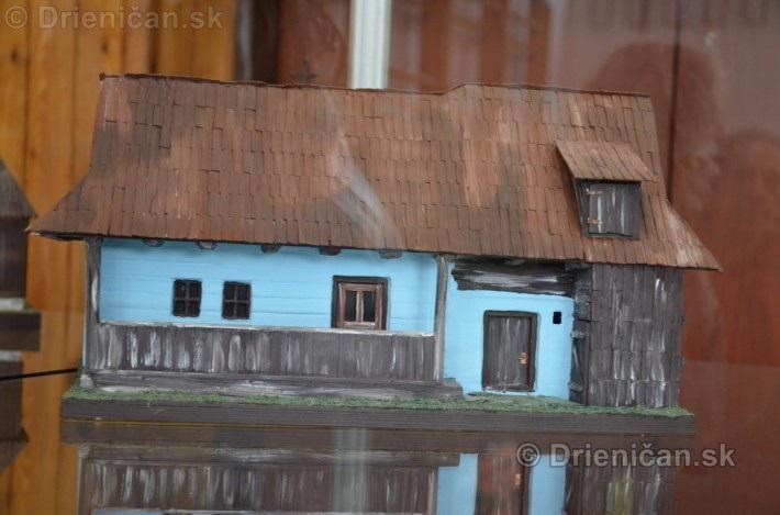 ABC stavebnictva Presov,miniatury kostolov,hradov a ludovej architektury_31