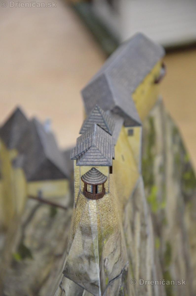 ABC stavebnictva Presov,miniatury kostolov,hradov a ludovej architektury_34