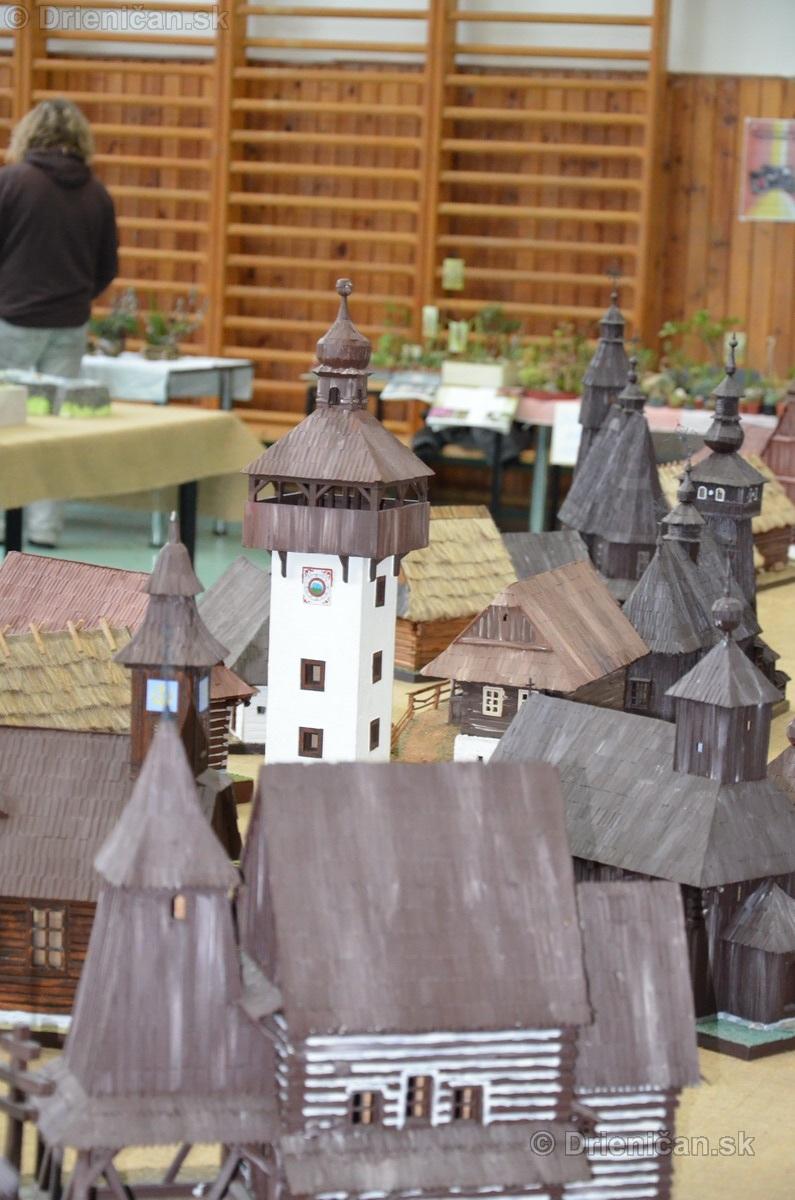 ABC stavebnictva Presov,miniatury kostolov,hradov a ludovej architektury_35