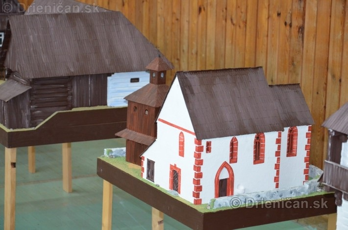 ABC stavebnictva Presov,miniatury kostolov,hradov a ludovej architektury_36