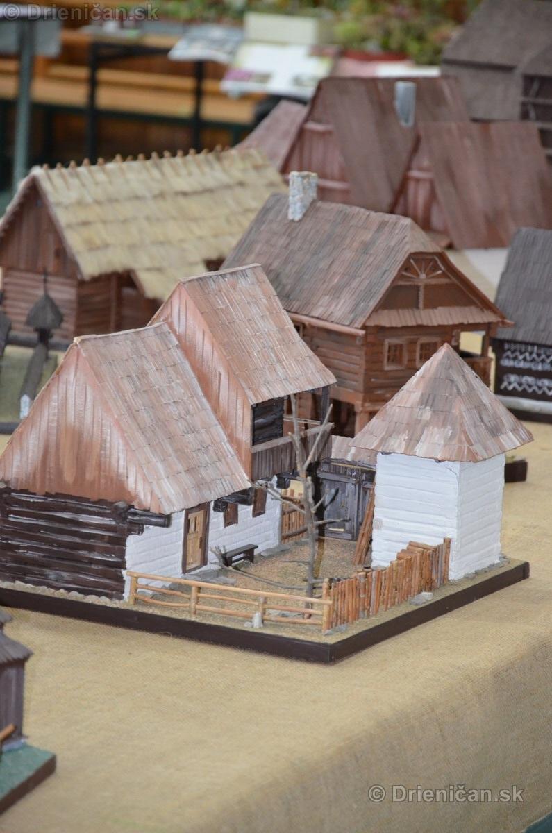 ABC stavebnictva Presov,miniatury kostolov,hradov a ludovej architektury_37