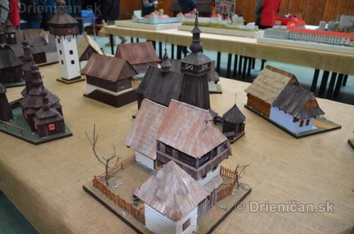 ABC stavebnictva Presov,miniatury kostolov,hradov a ludovej architektury_38