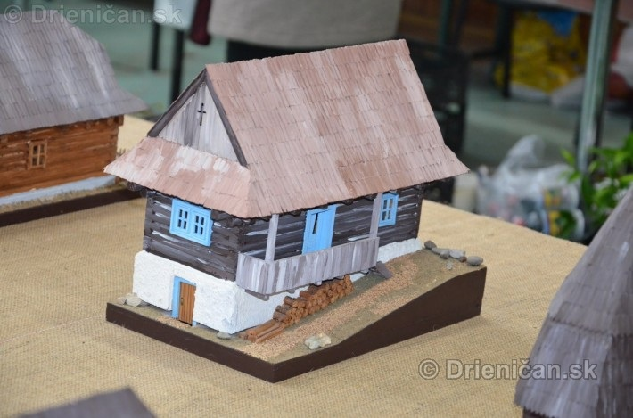 ABC stavebnictva Presov,miniatury kostolov,hradov a ludovej architektury_39