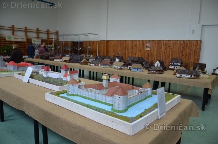 ABC stavebnictva Presov,miniatury kostolov,hradov a ludovej architektury_43