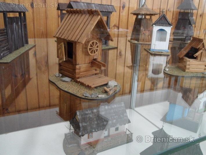 ABC stavebnictva Presov,miniatury kostolov,hradov a ludovej architektury_48