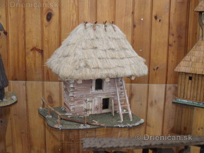 ABC stavebnictva Presov,miniatury kostolov,hradov a ludovej architektury_50